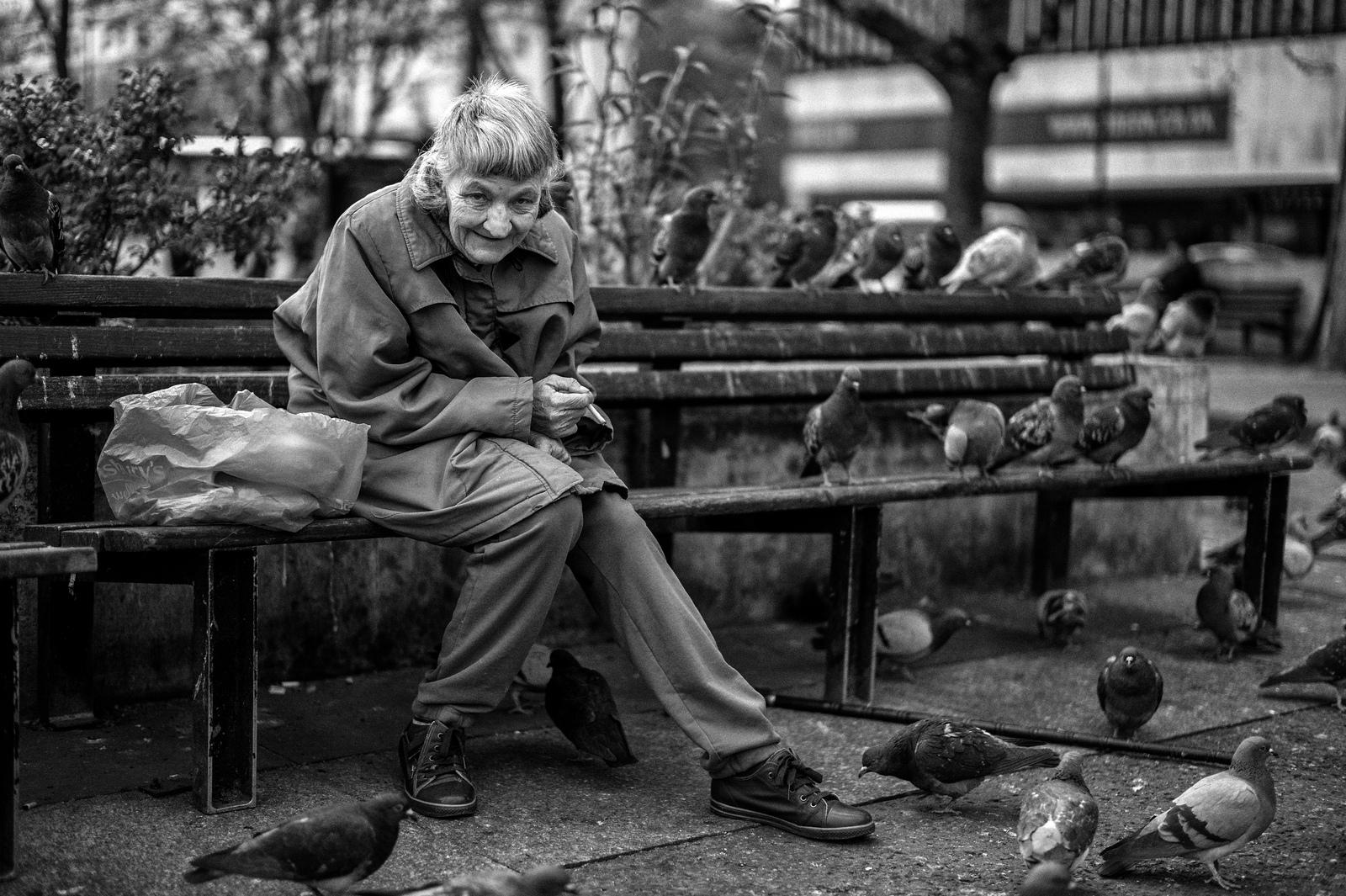 loneliness-in-london-alan-schaller-04
