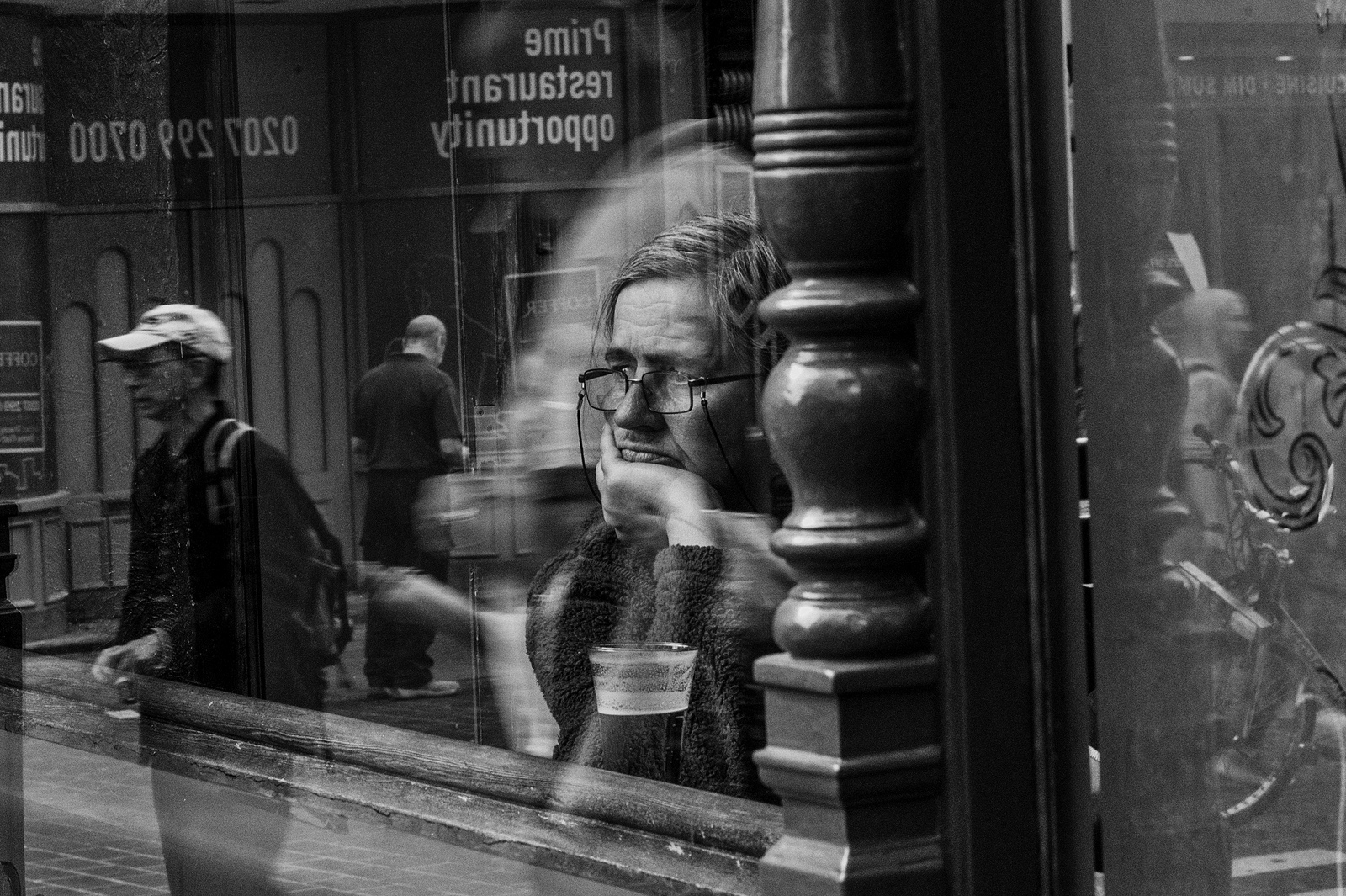 loneliness-in-london-alan-schaller-07
