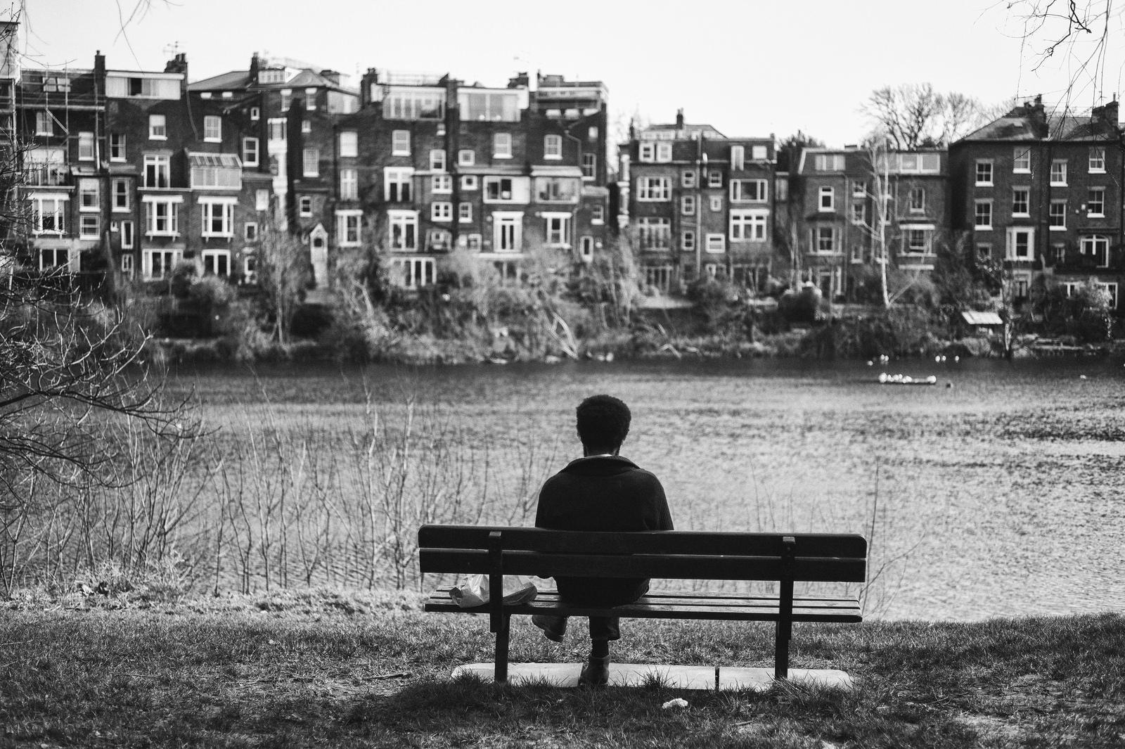 loneliness-in-london-alan-schaller-14